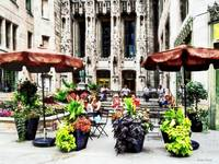 Chicago - Enjoying Lunch on the Magnificent Mile