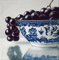 Black Grapes in Blue Willow