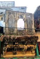 Dying Haveli, Ghosts of the Past