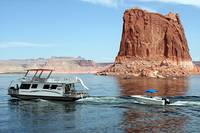 Houseboat on Lake Powell, Arizona/Utah, USA