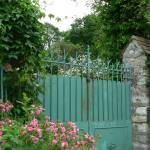 """Green gate"" by corinnea"