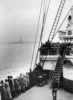 Immigrants Viewing The Statue of Liberty