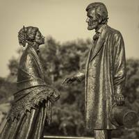Lincoln Meets Stowe Sculpture