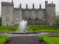 Kilkenny Castle and Fountain in Ireland