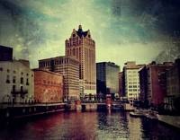 Milwaukee River Scene