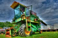 723  Antique Combine John Deere  model 6600