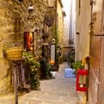 """Italian Alleyway"" by raetucker"