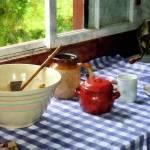 """Red Sugar Bowl"" by susansartgallery"