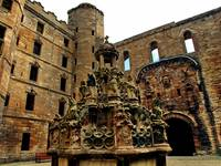 Linlithgow Palace Courtyard