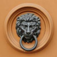 DOORKNOCKERS (2)