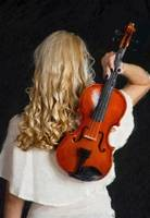 Violin woman - ID 16218-130655-0946