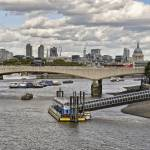 """Thames Traffic"" by PaulCoco"