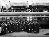 oak_port_pullman-soldiers_p by WorldWide Archive
