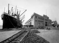 oak_port_grove-st-pier_P by WorldWide Archive