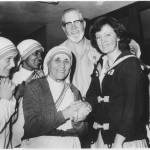 """Kay Kelly of Liverpool & Mother Teresa in 1980"" by motionage"