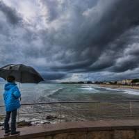 mirando la playa Art Prints & Posters by Gonzalo Frexes