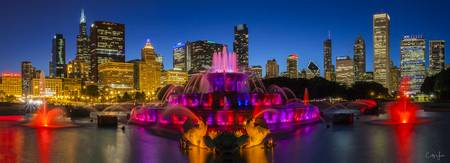 Buckingham Fountain in Chicago by Cody York_7273