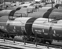 tank-cars-syrup-locust-point-bw-P1220417