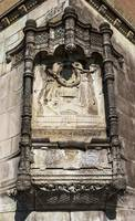 731-The_bas-relief_on_the_corner_of_the_old_house