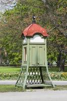 858-Vintage_telephone_booth