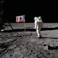 Buzz Aldrin  The American flag on the Moon, Apollo