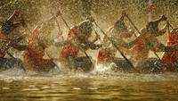 Competitors In A Boat Race In Alappuzha, India