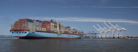 Maersk Docking Baltimore_McAllen_5DD7906-1-3