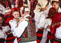©Howell_Maramures_village_festival