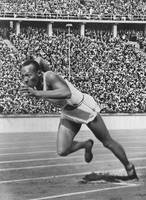 Jesse Owens at start of record breaking 200 meter