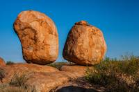 Two boulders in Devils Marbles