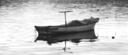 one-boat_bw_17x7