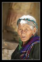 Old woman Gyantse
