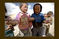 Hellomoney! Street children begging in Tibet