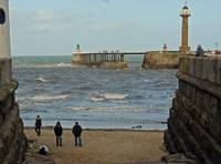 Whitby West Pier and Lighthouse  (15519-RDA)