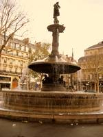 bubbles are found in Paris fountains
