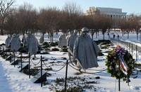 korean war memorial with Lincoln memorial