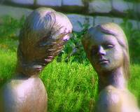 Statue - Glancing faces
