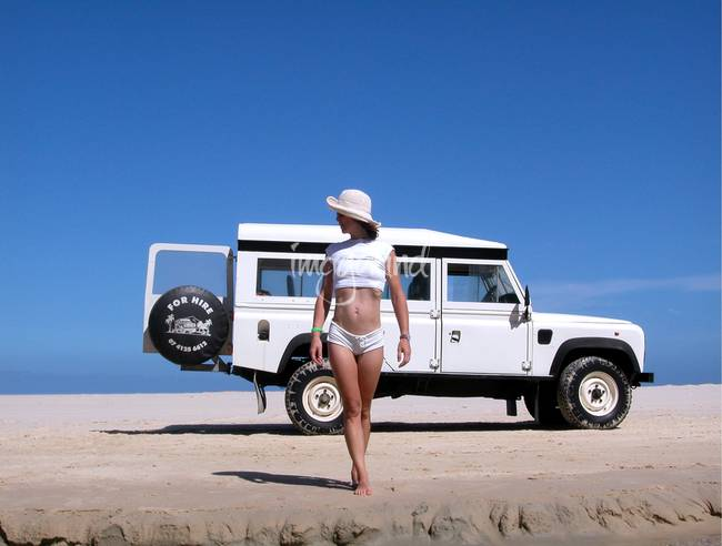 Land rover nude