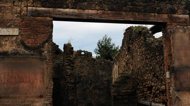 Pompeii - Close-up of an ancient courtyard