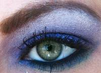 Ice blue Eyeshadow on green eye, using mac cosmeti