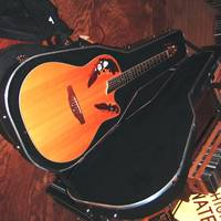 Ovation Celebrity CS 257