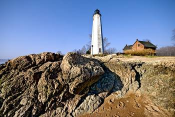 Five Mile Point Light in Connecticut by New Yorkled