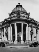 Hibernia Bank Building, Market Street c1915 by WorldWide Archive