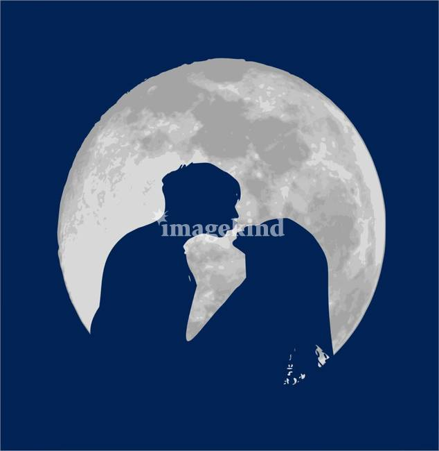 Moonlight kissing