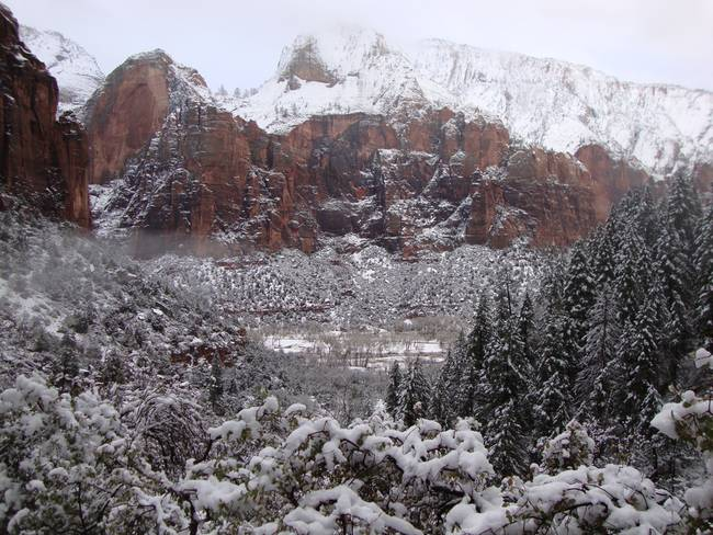 Zion Snowy Mountain2
