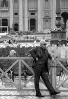 *people. round in San Pietro