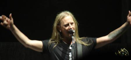 Alice in Chains - Jerry Cantrell Arms Wide Open
