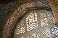 Decorative window lattice and alcove - Akbar maus.