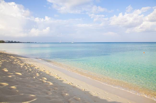 Seven Mile Beach - Cayman Islands