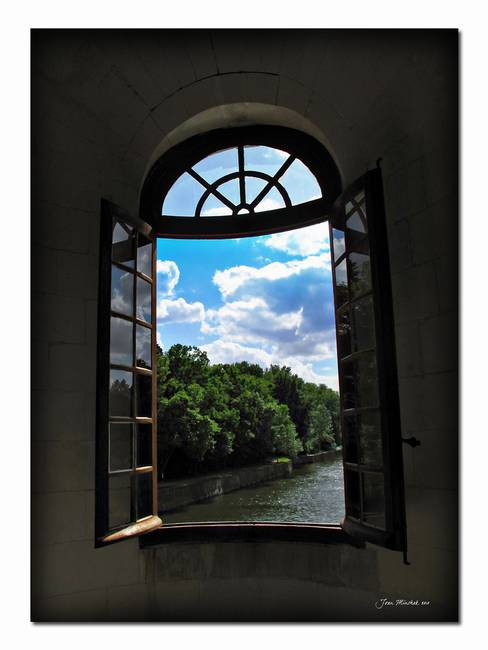 Open window at Chateau Chenonceau